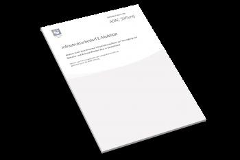 ADAC-Studie_Infrastrukturbedarf_E-Mobilität-Cover
